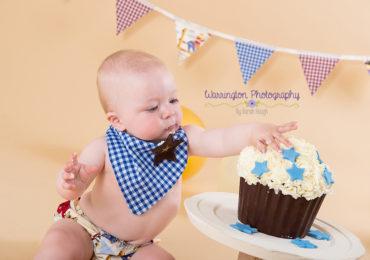 Cake smash photography, Matthew